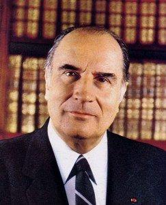 François Mitterrand, le déshonneur et l'imposture par Omar Merzoug* dans Omar Merzoug mitterrand_4_2-243x300